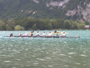 M8+ from @RowingNZ training on the Aiguebelette lake. #WRChamps WRC2015 #rowing  http://t.co/T0D82cDDsg