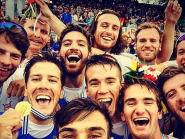 Great photo of the medallists from the M4- yesterday at #WRChamps #Selfie